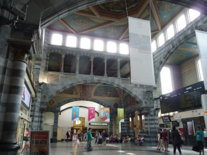 Inside the lovely Gent Sint-Pieter trIn station